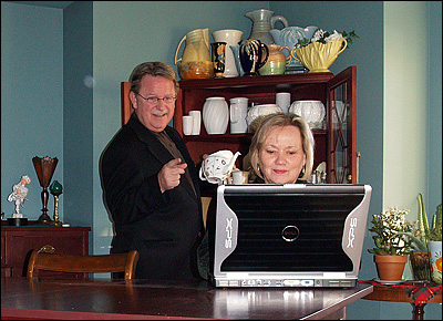 Brian and customer on computer